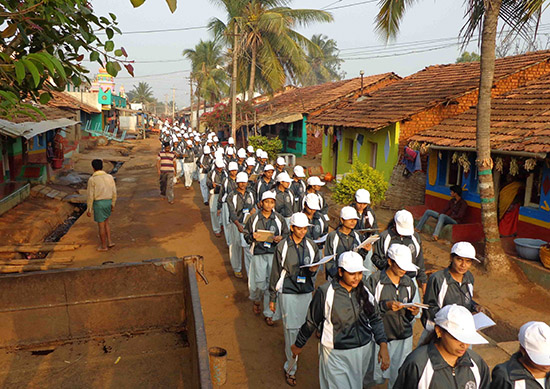 18-procession-by-the-student-teachers-to-develop-human-values